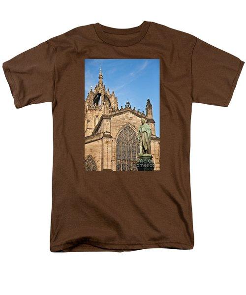 St Giles Cathedral  Edinburgh Men's T-Shirt  (Regular Fit) by Liz Leyden