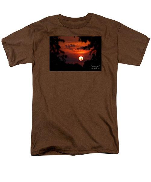 Sunset At Lake Hefner Men's T-Shirt  (Regular Fit)