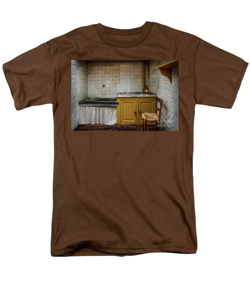 Men's T-Shirt  (Regular Fit) featuring the photograph 19th Century Kitchen In Amsterdam by RicardMN Photography