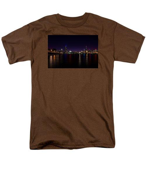 Chicago-skyline 2 Men's T-Shirt  (Regular Fit) by Richard Zentner