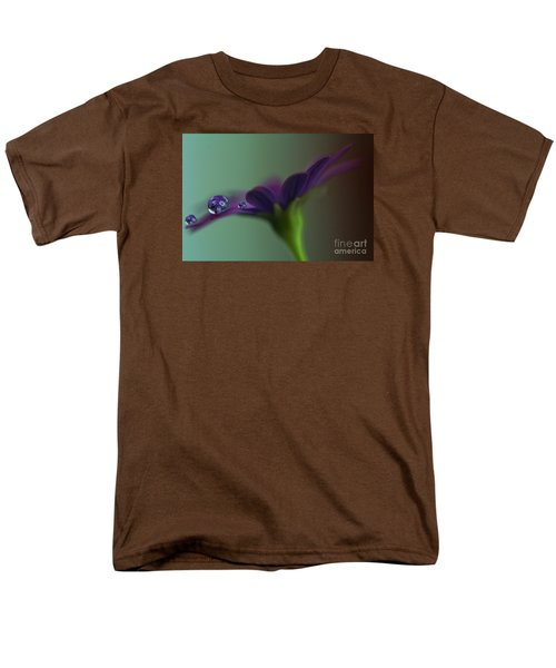 A Daisy Delivery Men's T-Shirt  (Regular Fit) by Kym Clarke