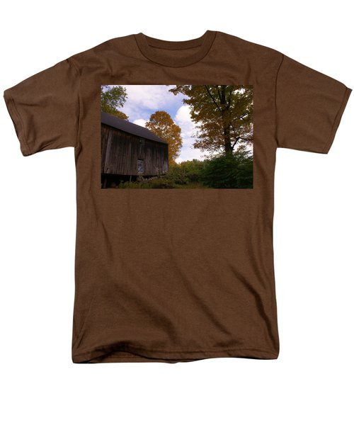 Men's T-Shirt  (Regular Fit) featuring the photograph Barn In Fall by Lois Lepisto
