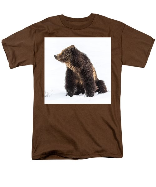 Men's T-Shirt  (Regular Fit) featuring the photograph Beryl Springs Grizzly Sow In Snow by Yeates Photography