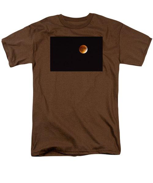 Blood Moon Luna Eclipse Men's T-Shirt  (Regular Fit) by Michael Hubley