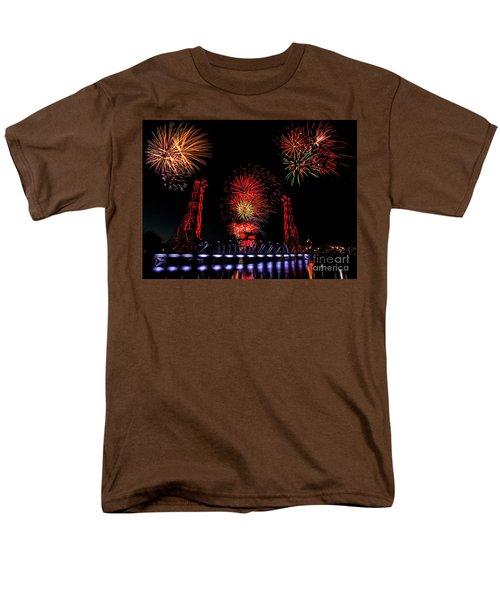Bridge 13 Canada Day Men's T-Shirt  (Regular Fit)