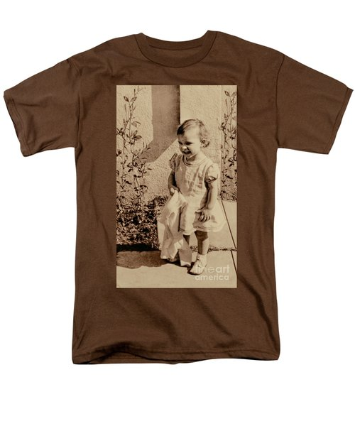 Men's T-Shirt  (Regular Fit) featuring the photograph Child Of 1940s by Linda Phelps