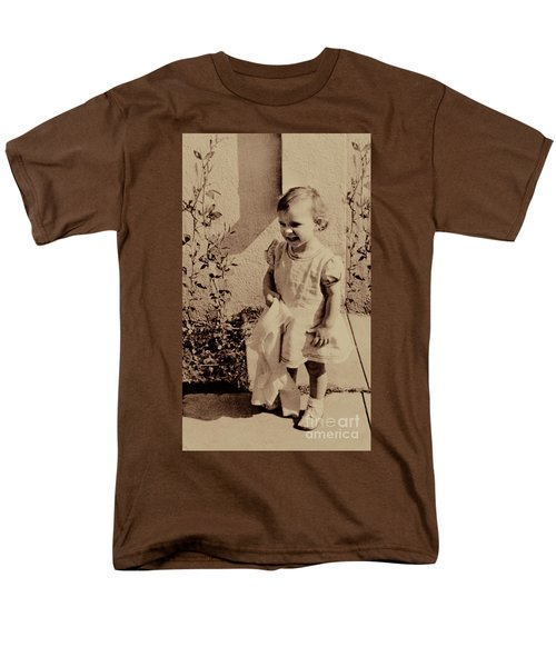 Men's T-Shirt  (Regular Fit) featuring the photograph Child Of  The 1940s by Linda Phelps