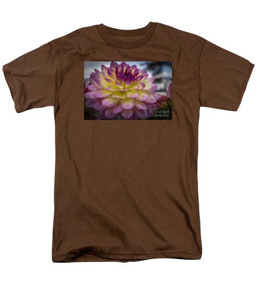 Color Starburst Men's T-Shirt  (Regular Fit)