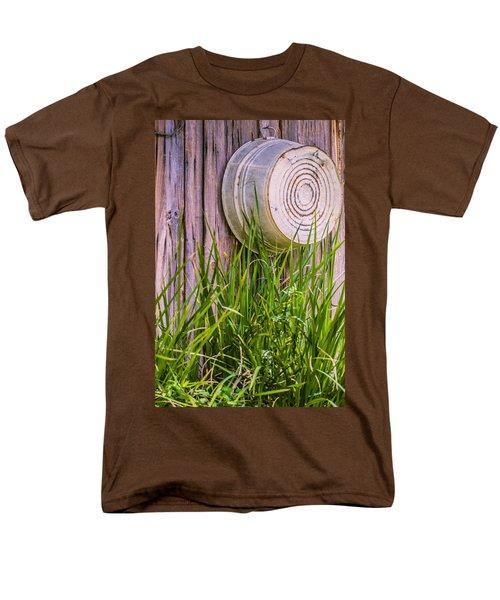 Country Bath Tub Men's T-Shirt  (Regular Fit) by Carolyn Marshall