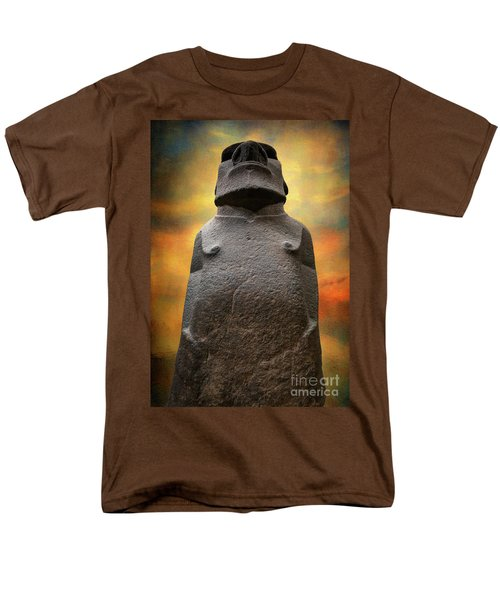 Men's T-Shirt  (Regular Fit) featuring the photograph Hoa Hakananaia by Adrian Evans