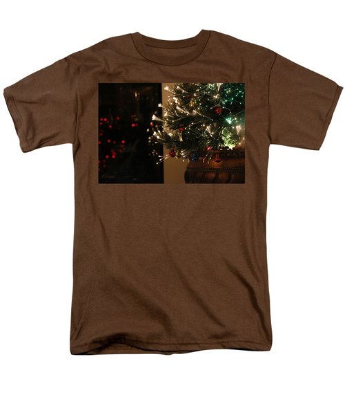 Holiday Attire Men's T-Shirt  (Regular Fit) by Yvonne Wright