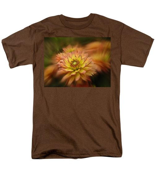 Juiy 2016 Dahlia Men's T-Shirt  (Regular Fit) by Richard Cummings