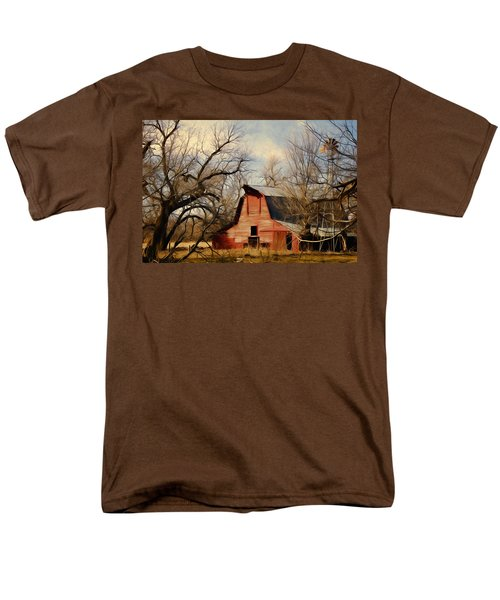 Little Red Barn Men's T-Shirt  (Regular Fit) by Lana Trussell