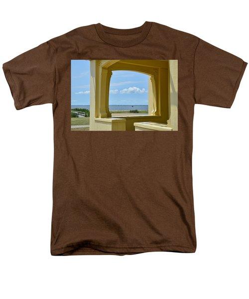 Mansion View Men's T-Shirt  (Regular Fit)