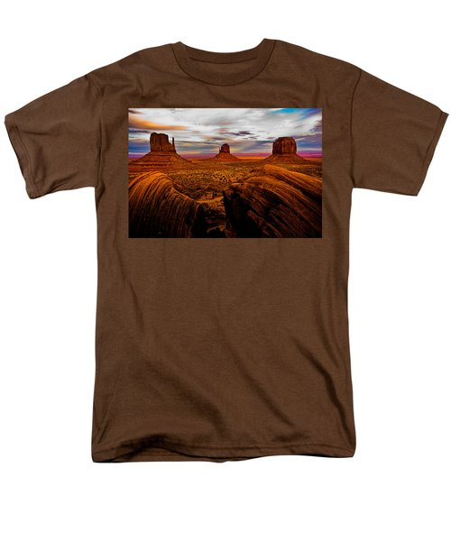 Men's T-Shirt  (Regular Fit) featuring the photograph Monument Valley by Harry Spitz
