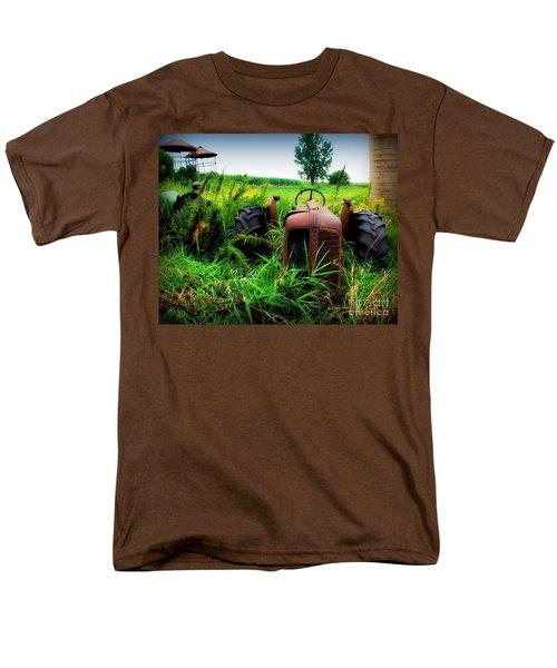 Old Oliver Men's T-Shirt  (Regular Fit) by Perry Webster