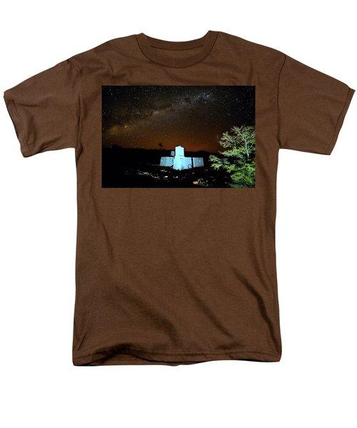 Old Owen Springs Homestead Men's T-Shirt  (Regular Fit) by Paul Svensen