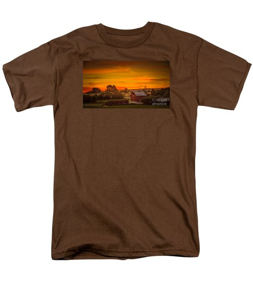 Old Red Barn Men's T-Shirt  (Regular Fit) by Robert Bales