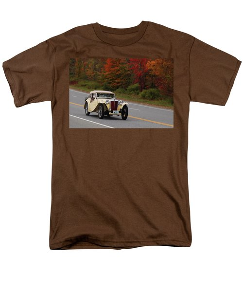 Men's T-Shirt  (Regular Fit) featuring the photograph Old Yeller 8168 by Guy Whiteley