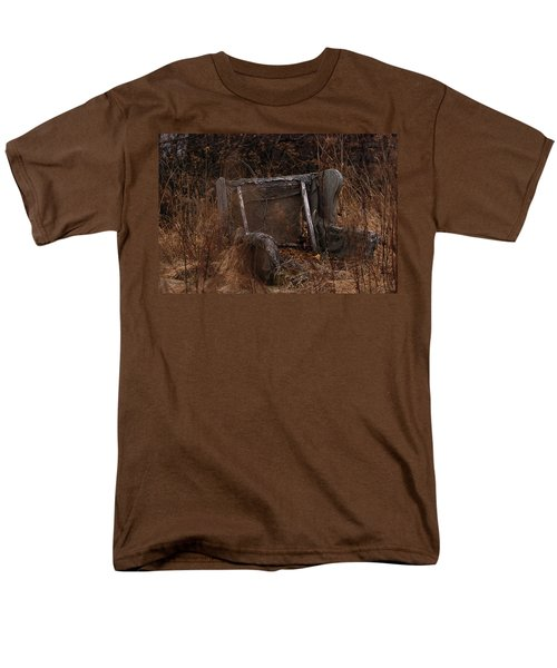 Putting Down Roots Men's T-Shirt  (Regular Fit) by Susan Capuano