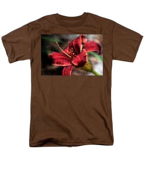Red Lilly Men's T-Shirt  (Regular Fit)