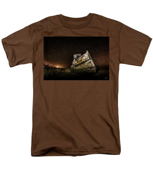 Men's T-Shirt  (Regular Fit) featuring the photograph Reyes Shipwreck by Everet Regal