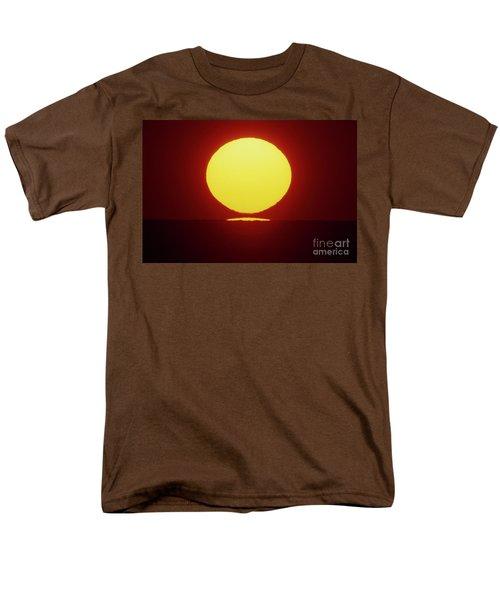 Sea Of Japan Men's T-Shirt  (Regular Fit) by Tatsuya Atarashi
