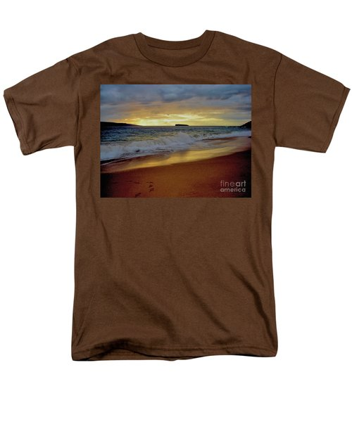 The Aura Of Molokini Men's T-Shirt  (Regular Fit) by Victor K