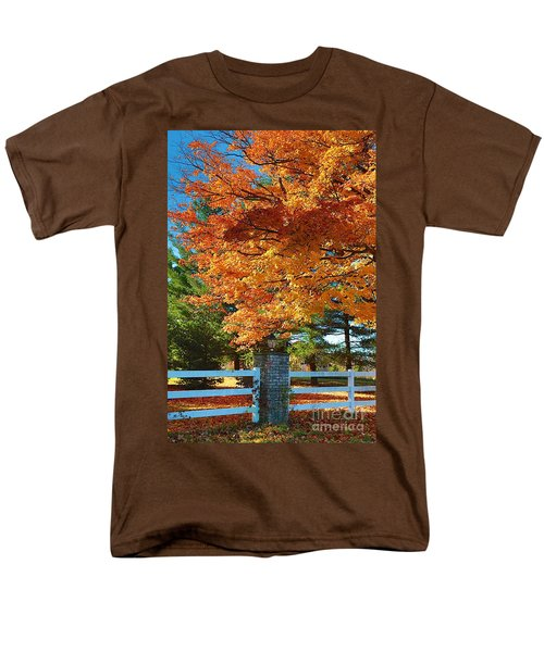 Men's T-Shirt  (Regular Fit) featuring the photograph The Old Yard Light by Robert Pearson