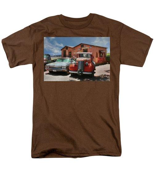 Men's T-Shirt  (Regular Fit) featuring the photograph Vista Motel by Lori Deiter