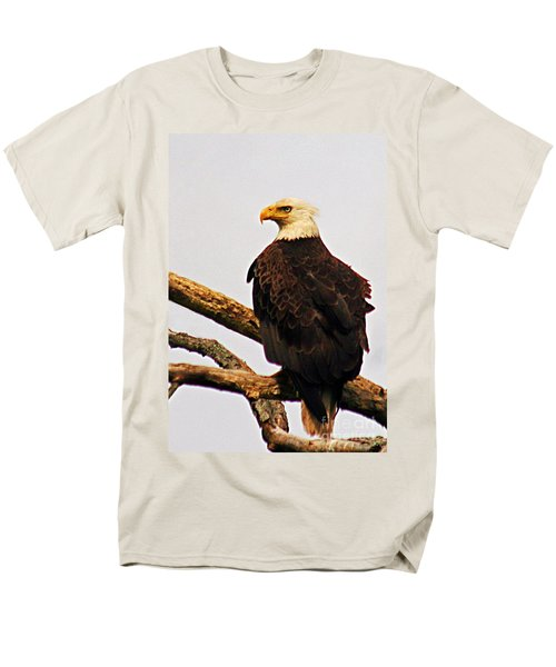 Men's T-Shirt  (Regular Fit) featuring the photograph An Eagle's Perch by Polly Peacock