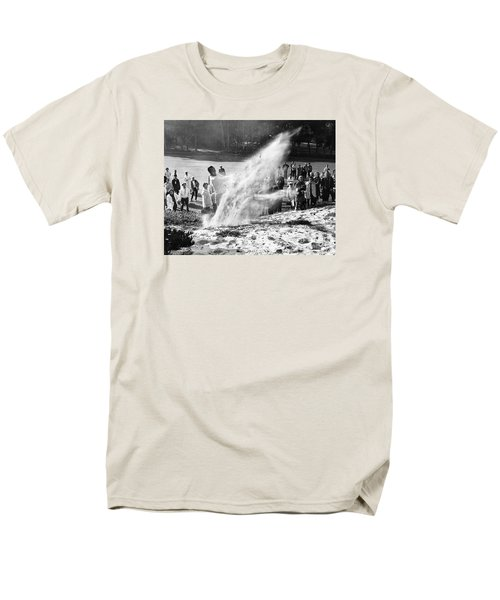Arnold Palmer At Pebble Beach California Rey Ruppel Photo Circa 1955 Men's T-Shirt  (Regular Fit) by California Views Mr Pat Hathaway Archives