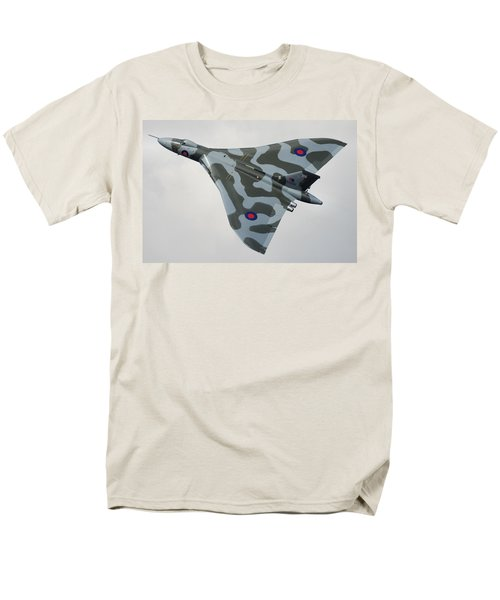 Avro Vulcan B2 Men's T-Shirt  (Regular Fit) by Tim Beach