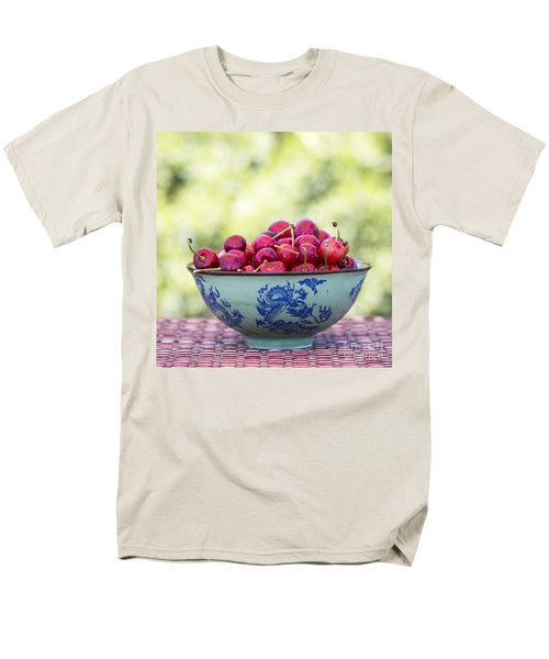 Men's T-Shirt  (Regular Fit) featuring the photograph Delicious by Linda Lees