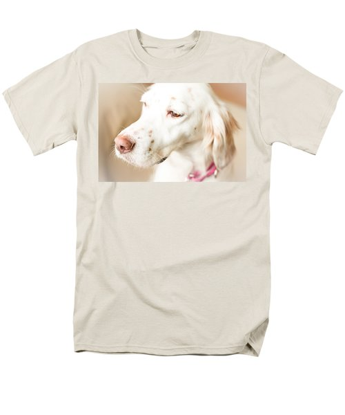 English Setter In Natural Light Men's T-Shirt  (Regular Fit) by Brian Caldwell