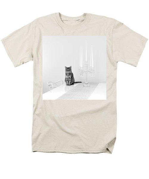 Linda Men's T-Shirt  (Regular Fit)