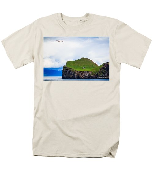 Men's T-Shirt  (Regular Fit) featuring the photograph Most Peaceful House In The World by Peta Thames
