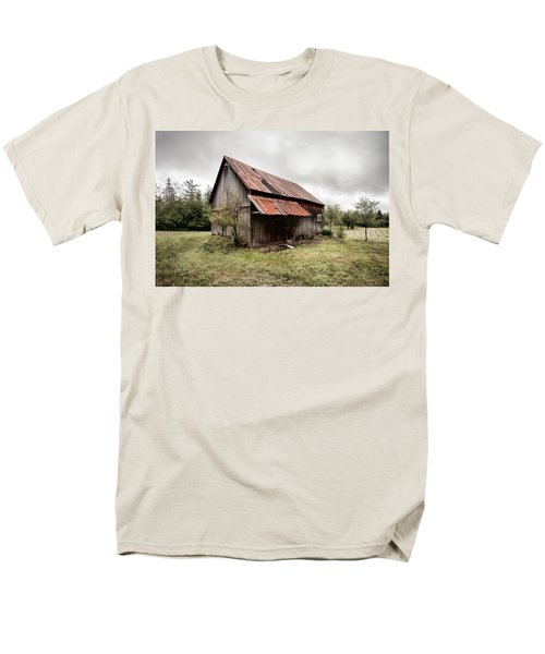 Rusty Tin Roof Barn Men's T-Shirt  (Regular Fit) by Gary Heller