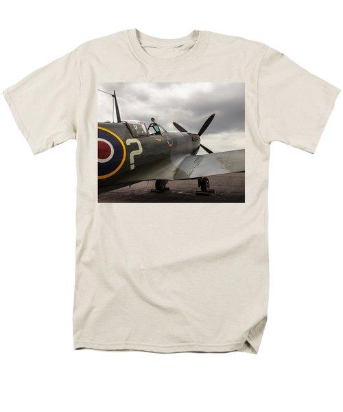 Spitfire On Display Men's T-Shirt  (Regular Fit)