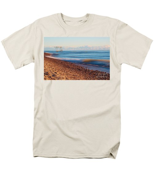 Men's T-Shirt  (Regular Fit) featuring the photograph The Boat Hoist by Patrick Shupert