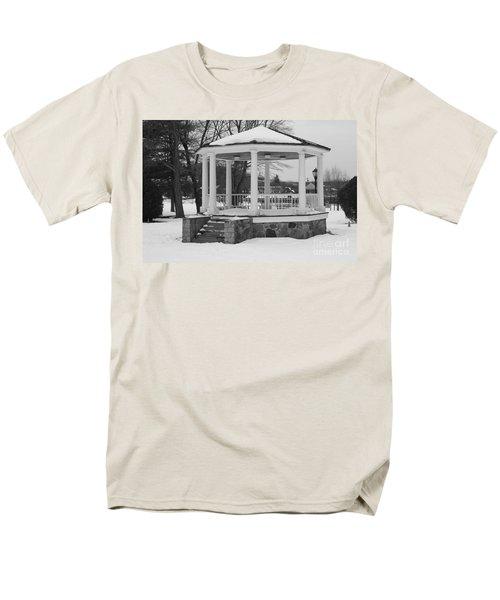 Winter Time Gazebo Men's T-Shirt  (Regular Fit) by John Telfer