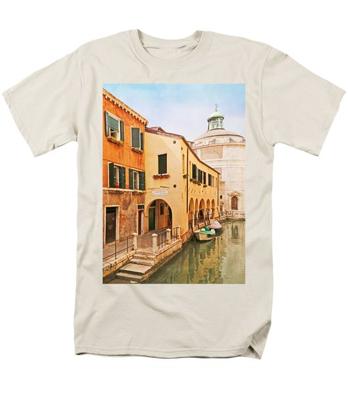 A Venetian View - Sotoportego De Le Colonete - Italy Men's T-Shirt  (Regular Fit) by Brooke T Ryan