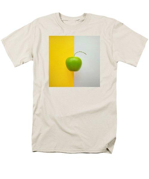 Green Apple Men's T-Shirt  (Regular Fit) by Ann Foo
