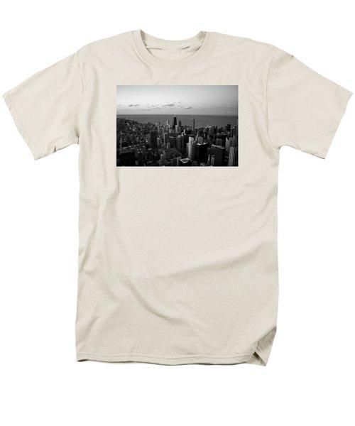 Men's T-Shirt  (Regular Fit) featuring the photograph Chicago Skyline Bw by Richard Zentner