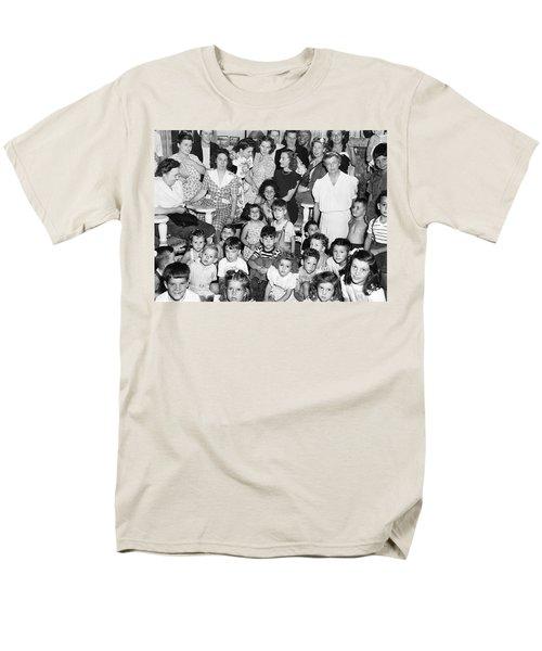 Eleanor Roosevelt And Children Men's T-Shirt  (Regular Fit) by Underwood Archives