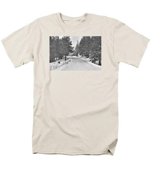 Forest Road In The Snow Men's T-Shirt  (Regular Fit)