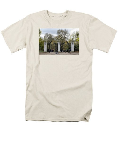 Men's T-Shirt  (Regular Fit) featuring the photograph Gates To St James Park by Shirley Mitchell