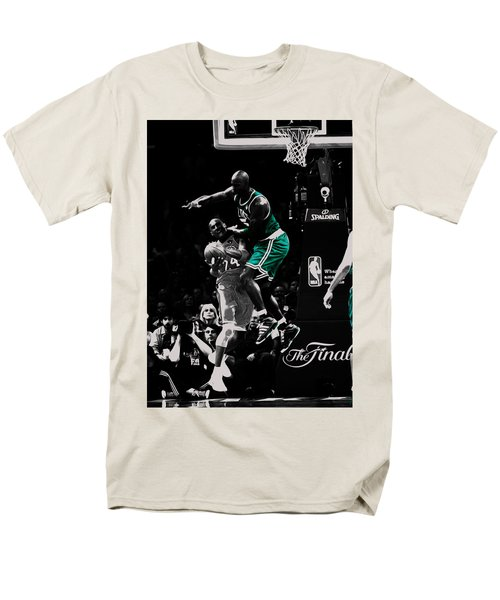 Kevin Garnett Not In Here Men's T-Shirt  (Regular Fit) by Brian Reaves
