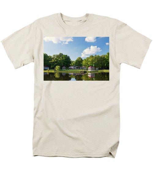 Larry Buckner - King George Men's T-Shirt  (Regular Fit) by Dana Sohr