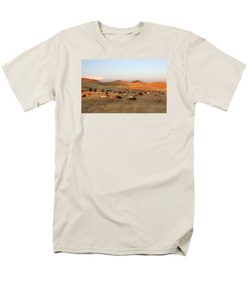 Longhorns Men's T-Shirt  (Regular Fit) by Diane Bohna